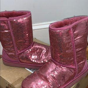 Exclusive Classic short pink sequin uggs